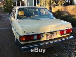 1983 Mercedes-Benz 200-Series