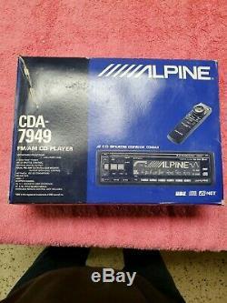 1 owner Alpine Cda 7949 excellent condition in original box