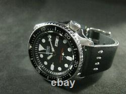 Classic SEIKO SKX007 Japan # 7D0102 Water Proof All Original Excellent Condition