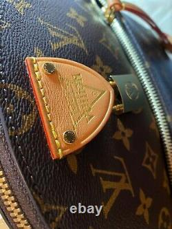 LOUIS VUITTON Moon original backpack (excellent condition). Without box