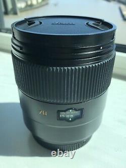 Leica Summarit-S 70mm f/2.5 ASPH Lens Excellent Condition In Original Bag