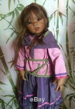 MUNIRA 2005 World Children Himstedt COA, Originals EXCELLENT CONDITION