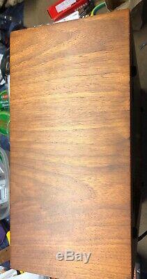 Marantz 105B Tuner with original walnut veneer case. EXCELLENT CONDITION