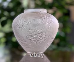 Rene Lalique Esterel Vase Excellent Condition Signed R Lalique (René)