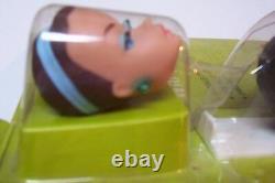 1963 Mattel Barbie Perruque Set Armoire Sur Carte Originale Excellent Etat