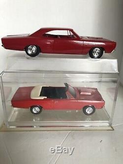 1968 Dodge Ccoronet R / T 125 Échelle Promo Excellent État Et Mpc Original