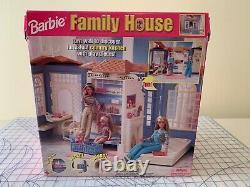 1998 Mattel Barbie Big Family House Original Box Fold Up Excellent État