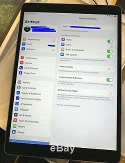 Apple Ipad Pro 10.5, 256 Go A1704 Espace Gris. Excellent État Et Boîte D'origine