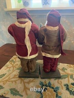Arnetts Country Store Santas 17 Tall X2. Excellent État