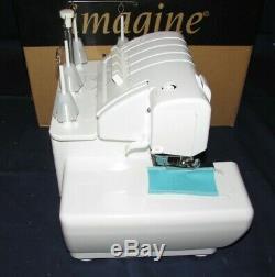 Babylock Ble1at-2 Surjeteuse, Excellent État Dans Boîte D'origine Avec Paperasserie