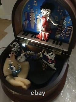 Betty Boop Music Box Danbury Mint Dans L'emballage D'origine Excellent Etat