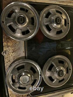 Rare Datsun Nissan Début 240z D Hub Bouchons Excellente Condition Originale