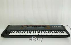 Roland Juno-106 Synthétiseur Polyphonique En Excellent État D'origine Boîte