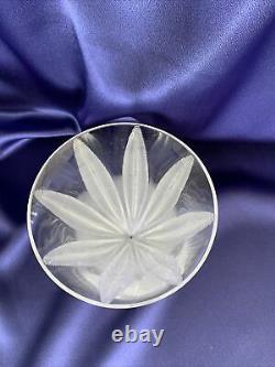 Vase En Cristal Signé Lalique Avec Feuilles De Fougère Givrée, Excellent État